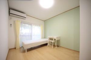 勝田台シェアハウス個室グリーン