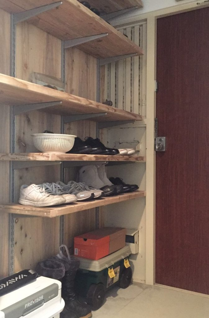 稼働棚を使った陳列収納