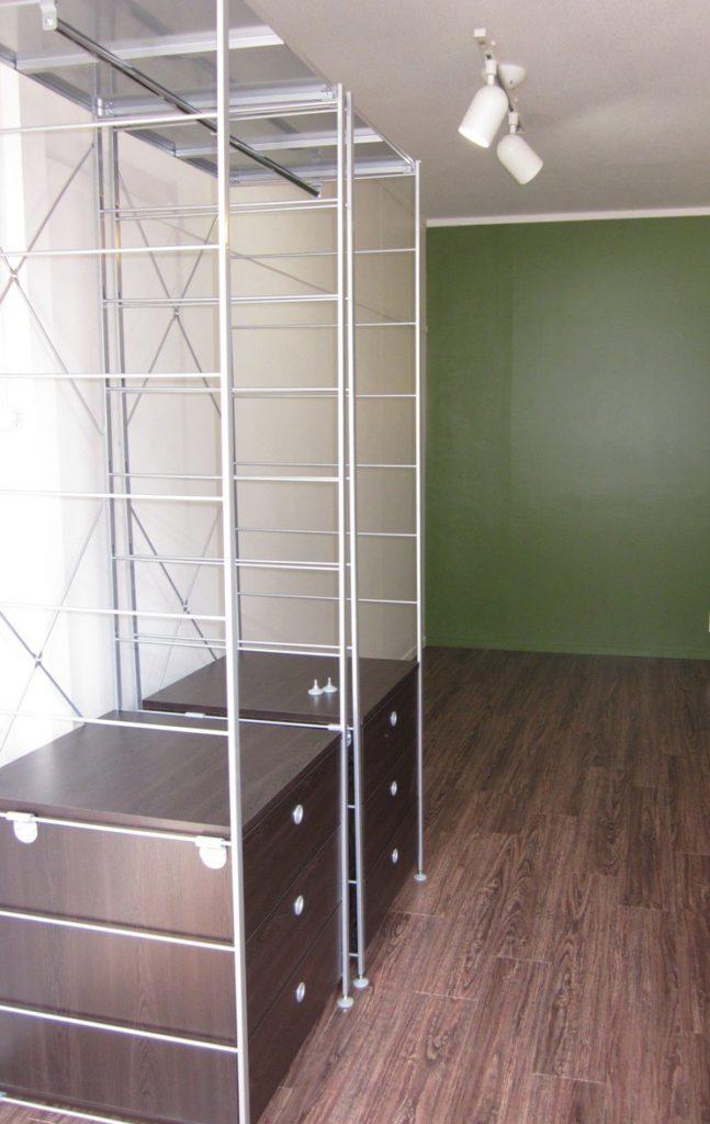 変形間取りに合わせた家具を固定