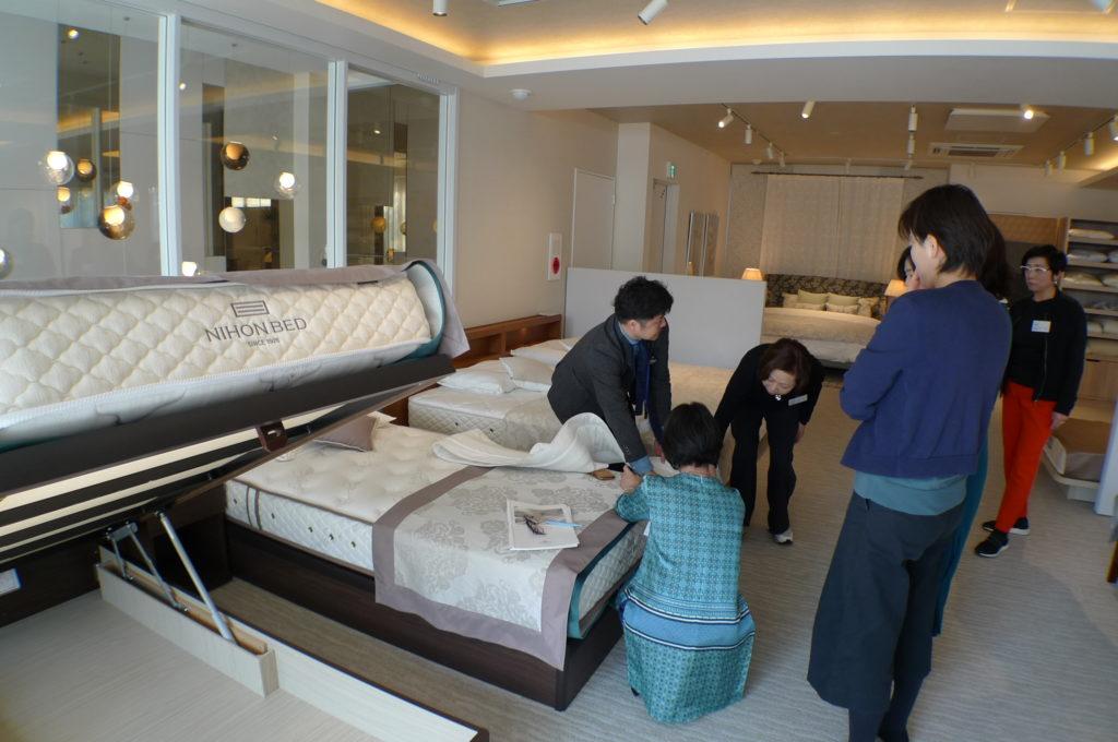 ベッドの構造体感