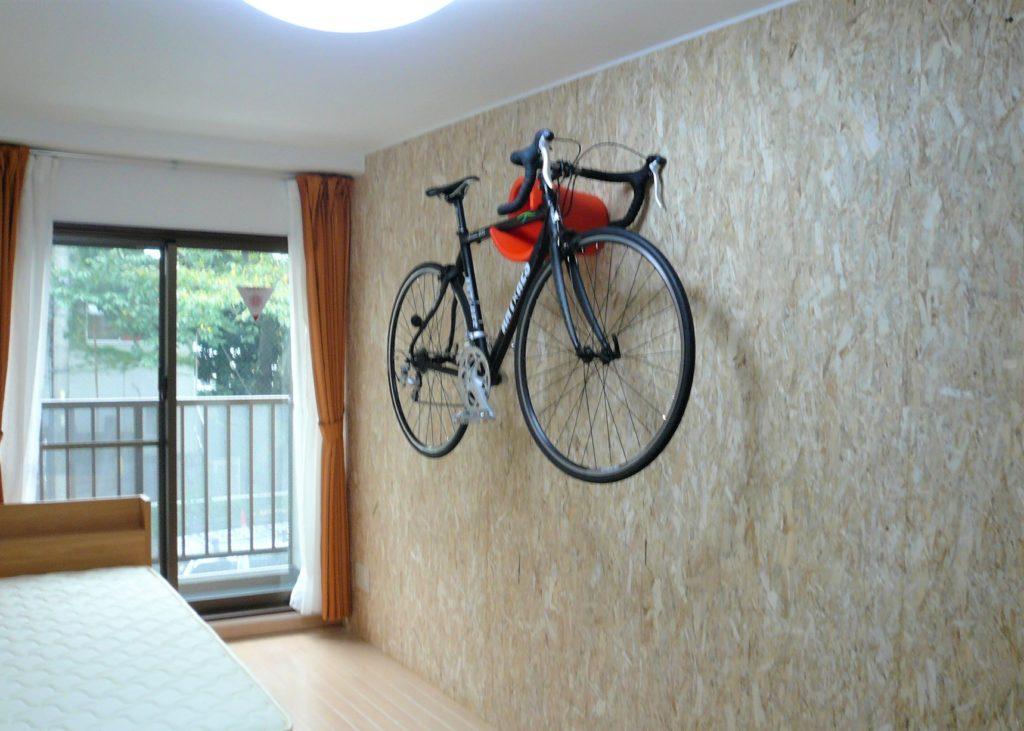 OSB合板のアクセント壁で吸音効果を
