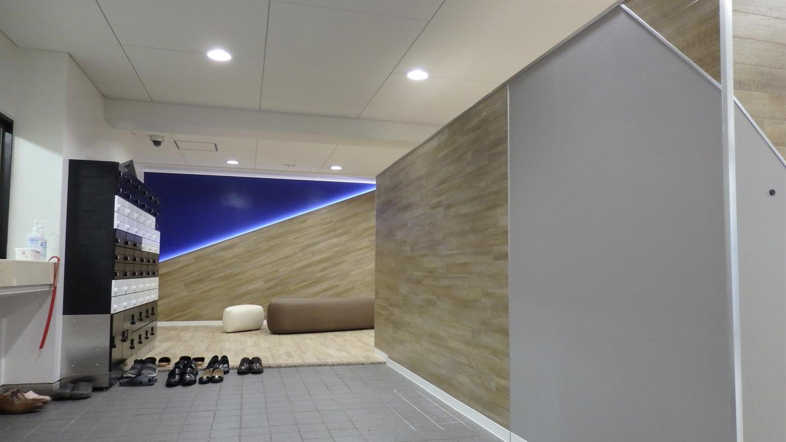 クールなデザインの正面アクセント壁